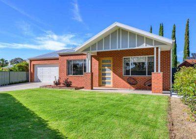 15 Thomas Mitchell Drive, Wodonga